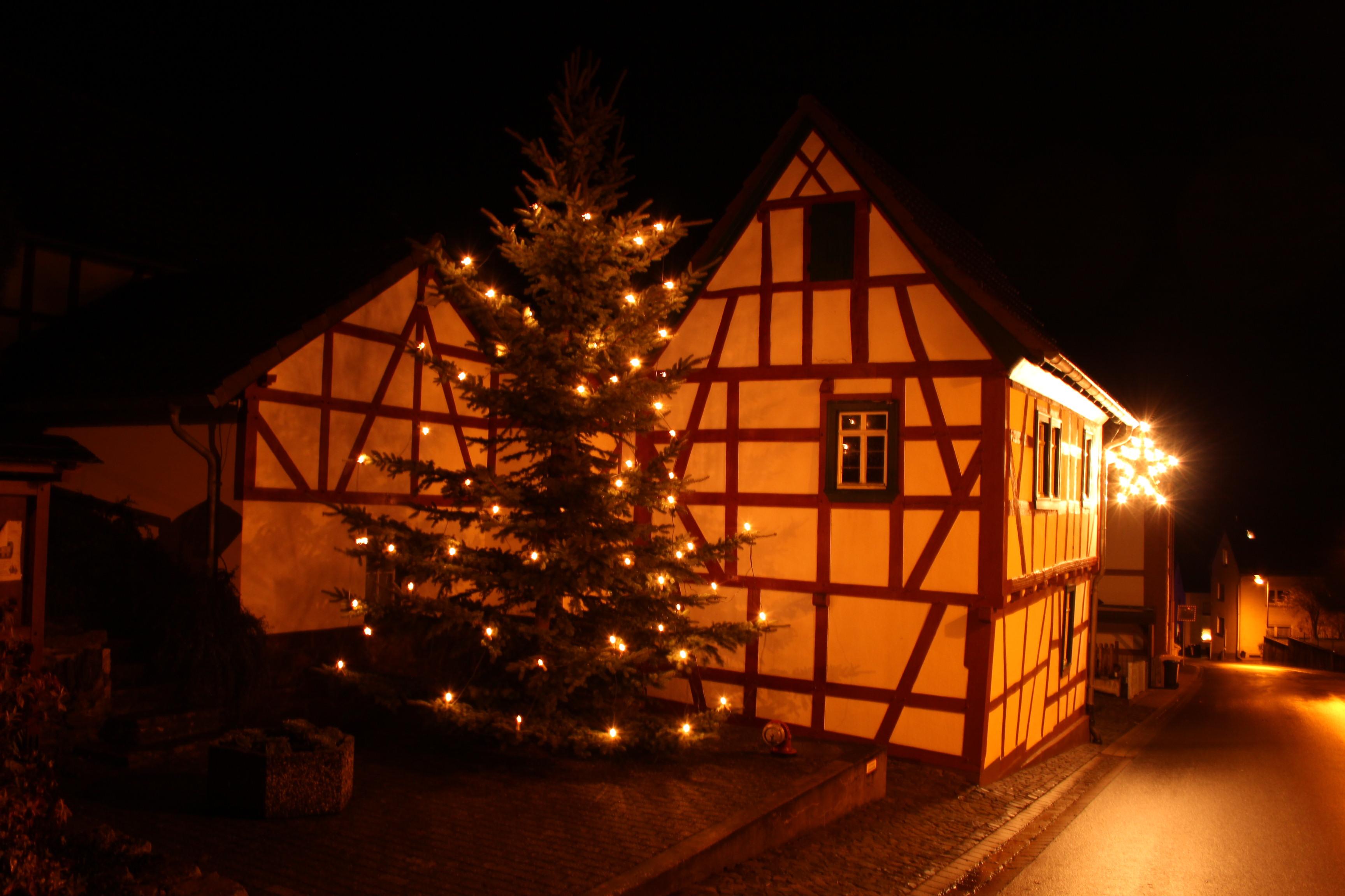 Frohes Fest und einen guten Rutsch ins neue Jahr 2018 – Eschbach